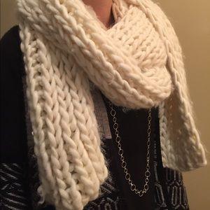 Cream wool scarf